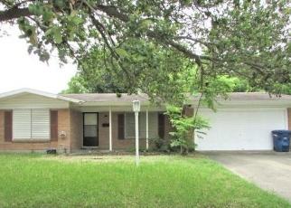 Foreclosed Home in Corpus Christi 78411 HAMLIN DR - Property ID: 4400946386