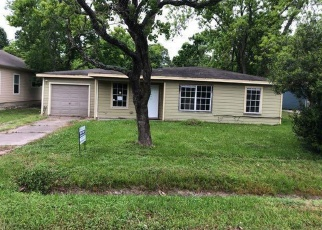 Foreclosed Home in La Marque 77568 GRAFTON ST - Property ID: 4400963472