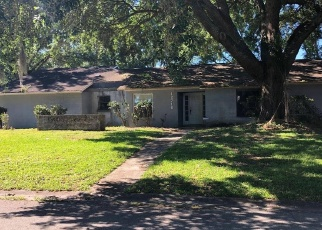 Foreclosed Home in Tampa 33624 BARRETT DR - Property ID: 4401034871