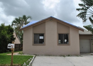 Foreclosed Home in Lake Worth 33463 STRAWBERRY LAKES CIR - Property ID: 4401046691