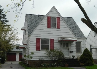 Foreclosed Home in Cleveland 44111 WAINSTEAD AVE - Property ID: 4401105370