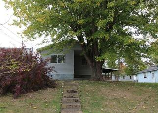 Foreclosed Home in Parkersburg 26101 10TH AVE - Property ID: 4401116764