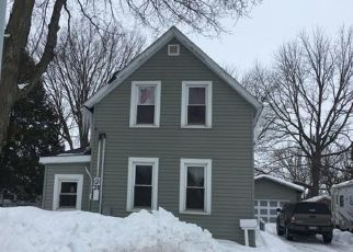 Foreclosed Home in New Prague 56071 1ST AVE NW - Property ID: 4401246402