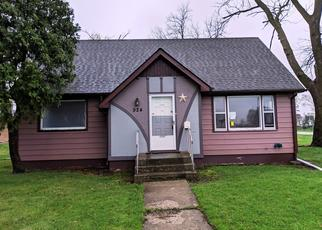Foreclosed Home in Belvidere 61008 WAYNE ST - Property ID: 4401393559