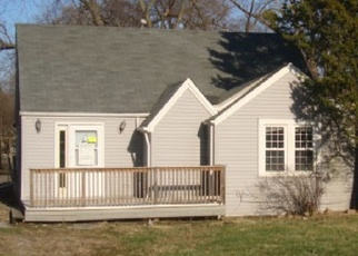 Foreclosed Home in Oak Forest 60452 LAVERGNE AVE - Property ID: 4401400121