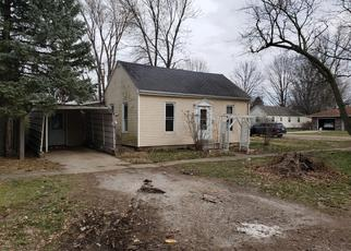 Foreclosed Home in Mason City 62664 S LOGAN ST - Property ID: 4401406706