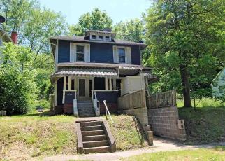 Foreclosed Home in Huntington 25703 10TH AVE - Property ID: 4401588912