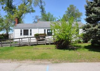 Foreclosed Home in Warwick 02889 WILBUR AVE - Property ID: 4401753132