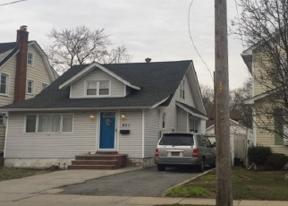 Foreclosed Home in Lynbrook 11563 FOREST AVE - Property ID: 4401765849