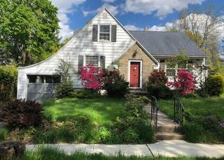 Foreclosed Home in Hamden 06514 MALCOLM ST - Property ID: 4401771984