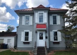 Foreclosed Home in Menasha 54952 NICOLET BLVD - Property ID: 4401814452