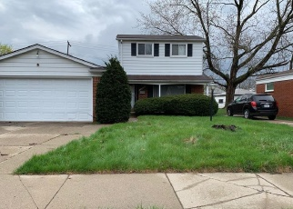 Foreclosed Home in Detroit 48219 BERG RD - Property ID: 4401831986