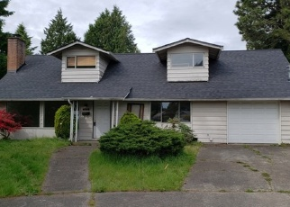 Foreclosed Home in Seattle 98146 SW 121ST ST - Property ID: 4401836797