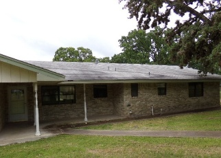 Foreclosed Home in Kerrville 78028 E CEDAR DR - Property ID: 4401868768