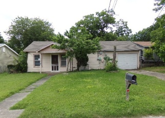 Foreclosed Home in San Antonio 78228 COLFAX ST - Property ID: 4401869644