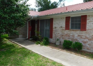 Foreclosed Home in Victoria 77901 TERRACE AVE - Property ID: 4401884529