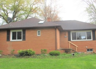 Foreclosed Home in Cleveland 44143 GLEETEN RD - Property ID: 4401986126