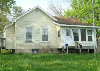 Foreclosed Home in Pontiac 48341 STATE ST - Property ID: 4402007152