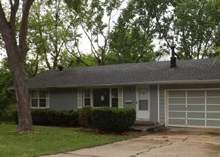 Foreclosed Home in Kansas City 64118 N BALTIMORE AVE - Property ID: 4402052714