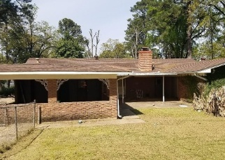 Foreclosed Home in Shreveport 71109 BRIARCLIFF CIR - Property ID: 4402319888