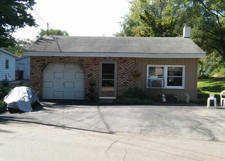 Foreclosed Home in Dowagiac 49047 W LAKESHORE DR - Property ID: 4402333454