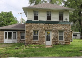Foreclosed Home in Kansas City 64146 E BLUE RIDGE BLVD - Property ID: 4402337843