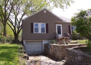 Foreclosed Home in Independence 64052 S CEDAR AVE - Property ID: 4402338262