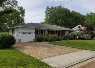 Foreclosed Home in Pennsville 08070 WATER ST - Property ID: 4402353603
