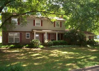 Foreclosed Home in Bolivar 38008 FISHER ST - Property ID: 4402443832