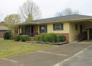 Foreclosed Home in Decatur 35601 WILLIAM ST SW - Property ID: 4402494180