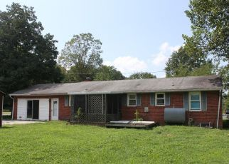 Foreclosed Home in Smyrna 19977 MANOR DR - Property ID: 4402531864