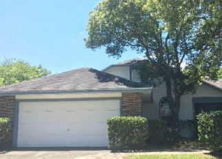 Foreclosed Home in Orlando 32835 PICCADILLY LN - Property ID: 4402545430
