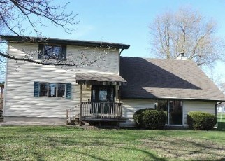 Foreclosed Home in Decatur 62526 W WAGGONER ST - Property ID: 4402588798
