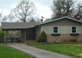Foreclosed Home in Springfield 62703 BEL AIRE DR - Property ID: 4402591416