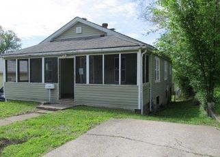 Foreclosed Home in Alton 62002 VIEWLAND ST - Property ID: 4402595808