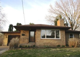 Foreclosed Home in Pekin 61554 SUNSET DR - Property ID: 4402599750