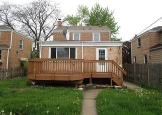 Foreclosed Home in River Grove 60171 RHODES AVE - Property ID: 4402613766