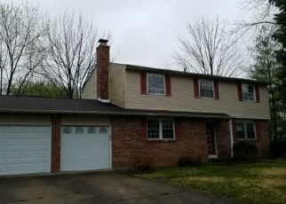 Foreclosed Home in Indianapolis 46237 GLENSHIRE CIR - Property ID: 4402617704