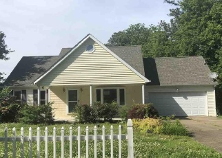 Foreclosed Home in Paducah 42003 ILLINOIS ST - Property ID: 4402643994