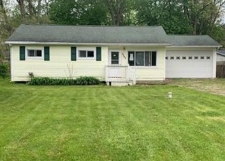 Foreclosed Home in Burton 48519 CHERRYWOOD DR - Property ID: 4402660175
