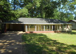 Foreclosed Home in Jackson 39206 MEADOWLANE DR - Property ID: 4402687331