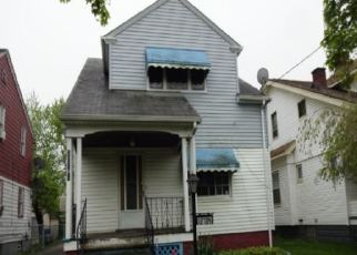 Foreclosed Home in Cleveland 44105 CRAVEN AVE - Property ID: 4402736839