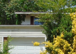 Foreclosed Home in Chattanooga 37412 S SEMINOLE DR - Property ID: 4402789383
