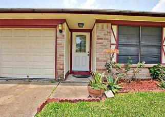 Foreclosed Home in League City 77573 CHICKADEE DR - Property ID: 4402817413