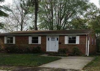 Foreclosed Home in Hampton 23663 ZINZER RD - Property ID: 4402834942