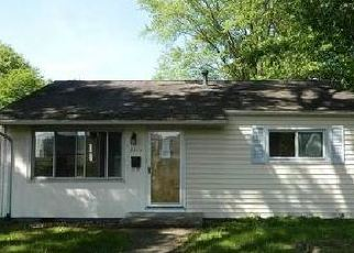 Foreclosed Home in Saint Albans 25177 ADAMS AVE - Property ID: 4402848963
