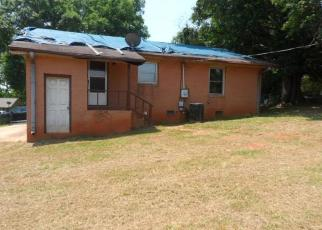 Foreclosed Home in Anderson 29626 W PINEDALE RD - Property ID: 4402885298