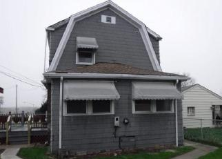 Foreclosed Home in Blue Island 60406 VINCENNES RD - Property ID: 4402952302