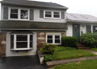 Foreclosed Home in Warminster 18974 RIVIERA RD - Property ID: 4403007493