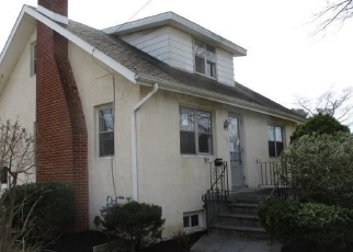 Foreclosed Home in Sewell 08080 WARREN AVE - Property ID: 4403090262